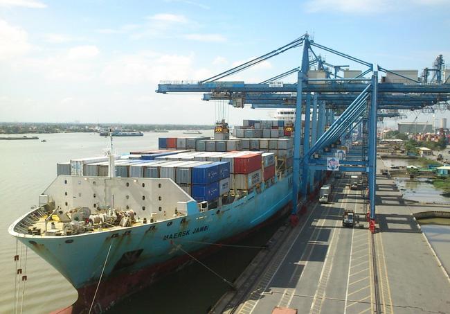 Theo Ngân hàng Thế giới (WB), chi phí logistics tại Việt Nam ước tính khoảng 25% GDP hằng năm, cao hơn đáng kể so với tỷ trọng 19% của Thái Lan, 18% của Trung Quốc, 13% của Malaysia và cao gần gấp ba lần nếu so với các nước như Mỹ hay Singapore.